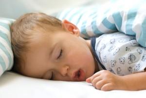 Sömn är viktig för stora som små. Strålning påverkar hormonnivåer och andra funktioner i kroppen sm kan bidra till försämrad sömn och ohälsa.